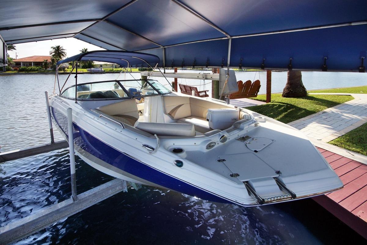 BOAT RENTAL EXCLUSIVE TROPICAL VILLA