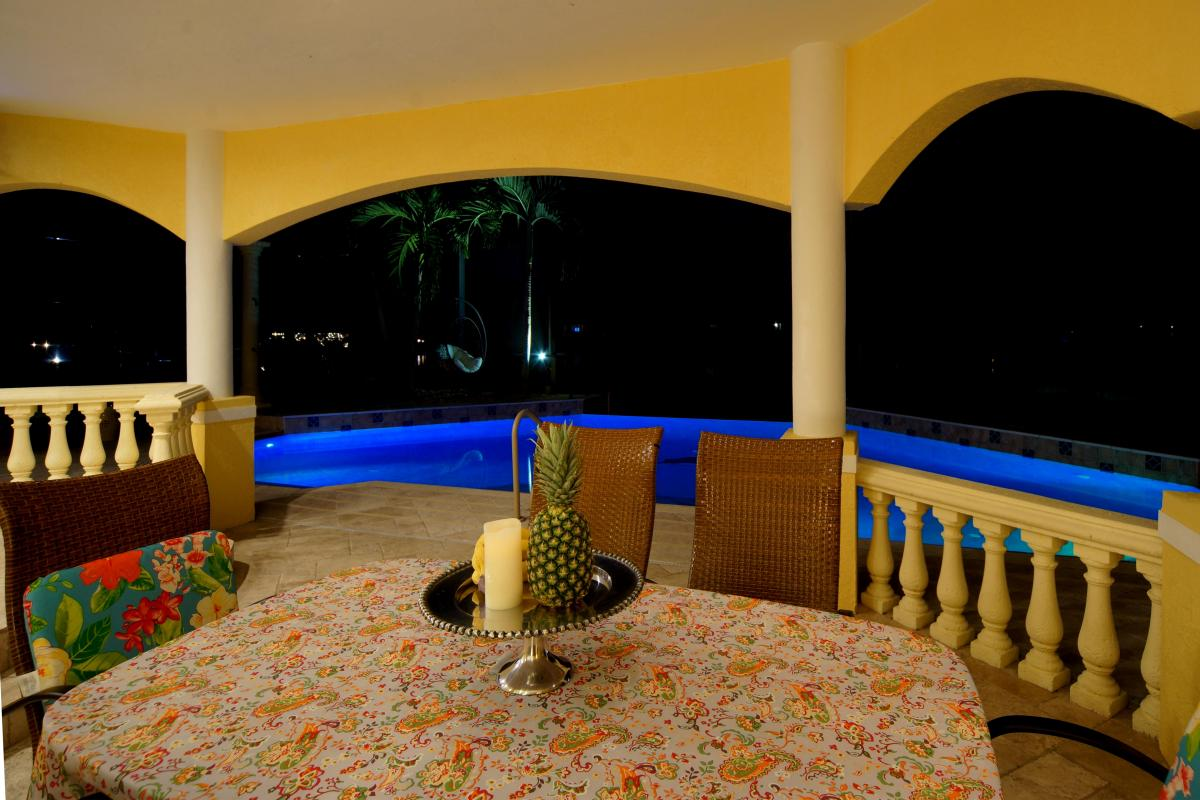PATIO VILLA TROPICAL ISLAND
